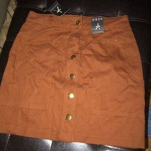 NWT‼️ Tan/orange skirt
